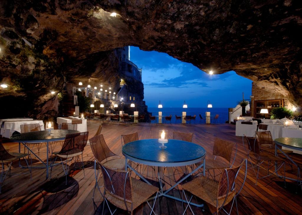 Nhà hàng Ristorante Grotta Palazzese, Puglia, Ý